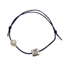Bransoletka diamond square z perełką na granatowym sznurku